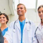 BA/BSc (Hons) Managementul sănătății și al asistenței sociale